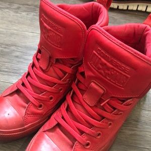 Limited all red converse all star sneakers